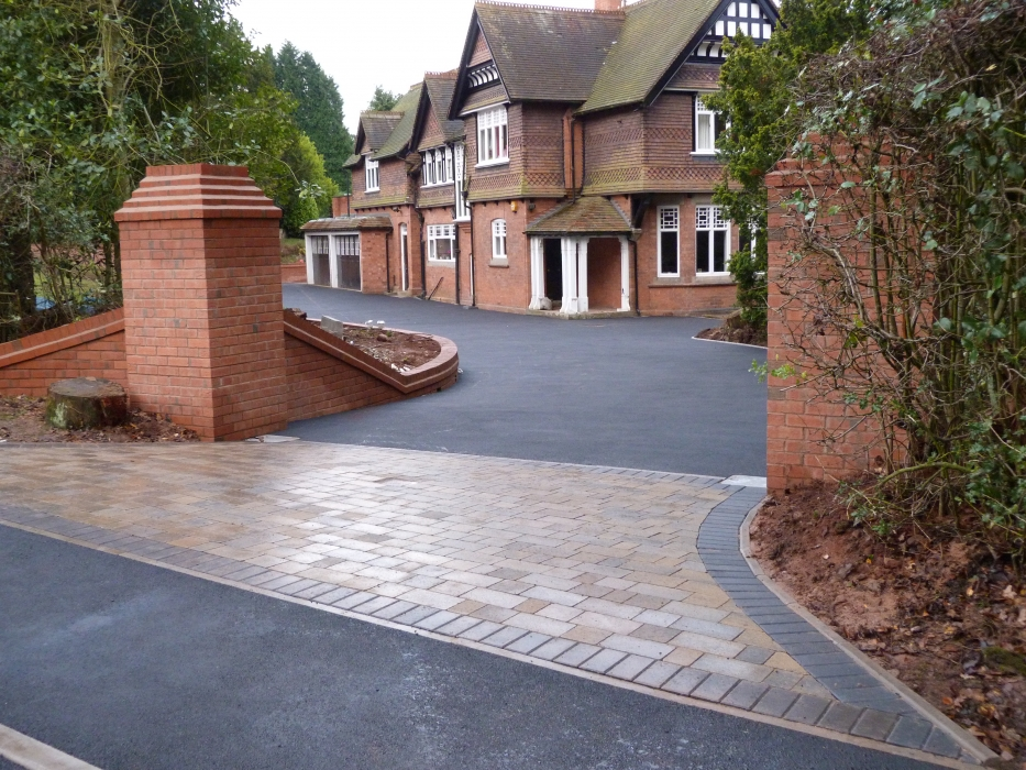 asphalt driveways Great Fencote